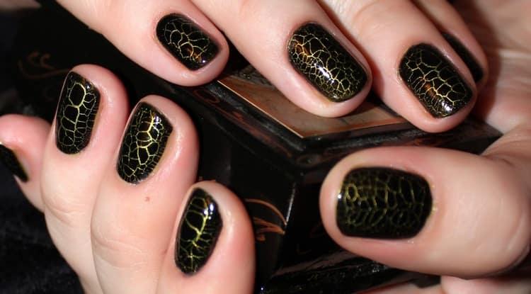 Посмотрите фото дизайна ногтей на очень короткие ногти.