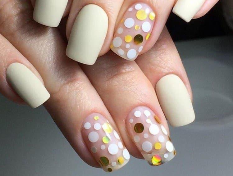 А вот фото дизайна с камифубиками на короткие ногти.