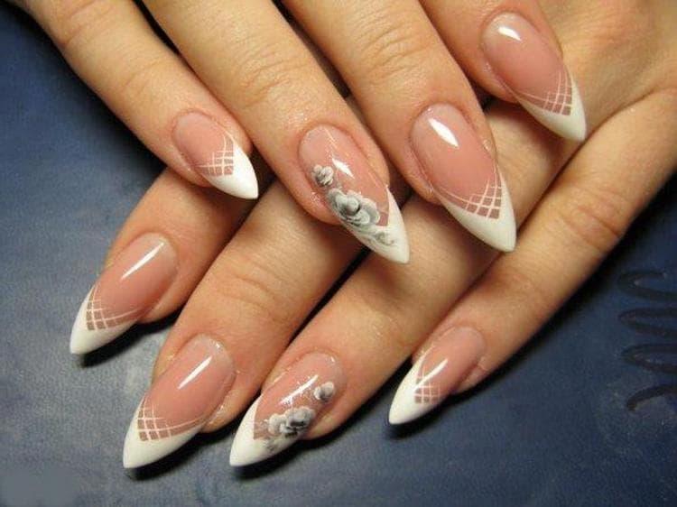 Посмотрите оригинальные фото дизайна нарощенных острых ногтей.