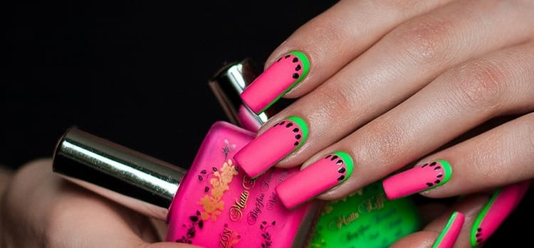 А вот фото летнего дизайна нарощенных ногтей.