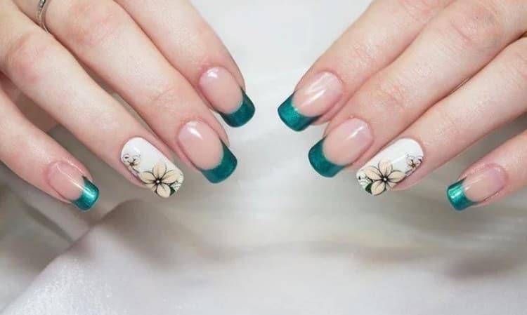 очень модный дизайн ногтей бирюзовый с белым.