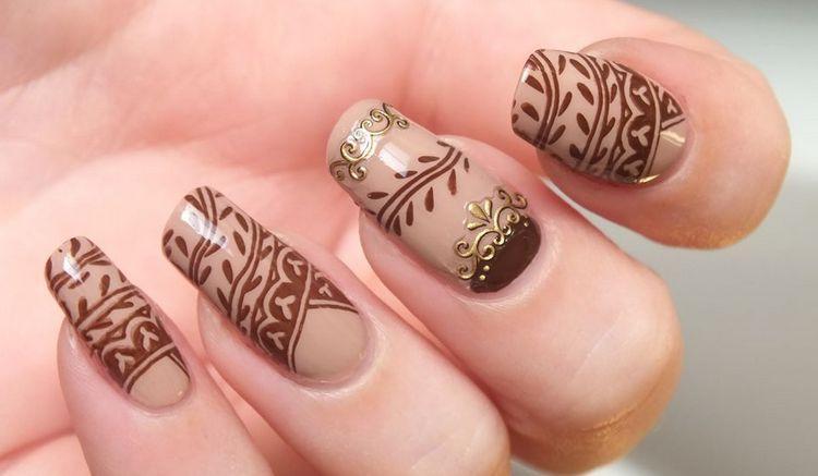 Чудный дизайн ногтей коричневый с бежевым!