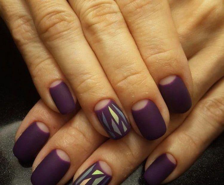 необязательно делать такой дизайн на всех пальцах, можно выделить только один.