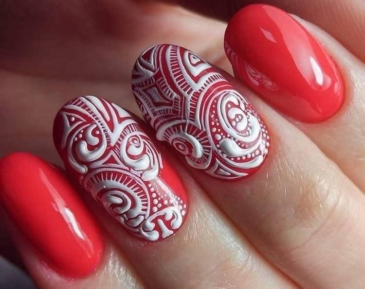 очень красиво и нежно выглядят такие ногти.
