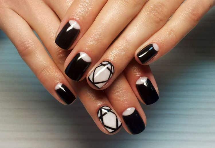 Вот еще один довольно-таки простой вариант геометрического дизайна ногтей.