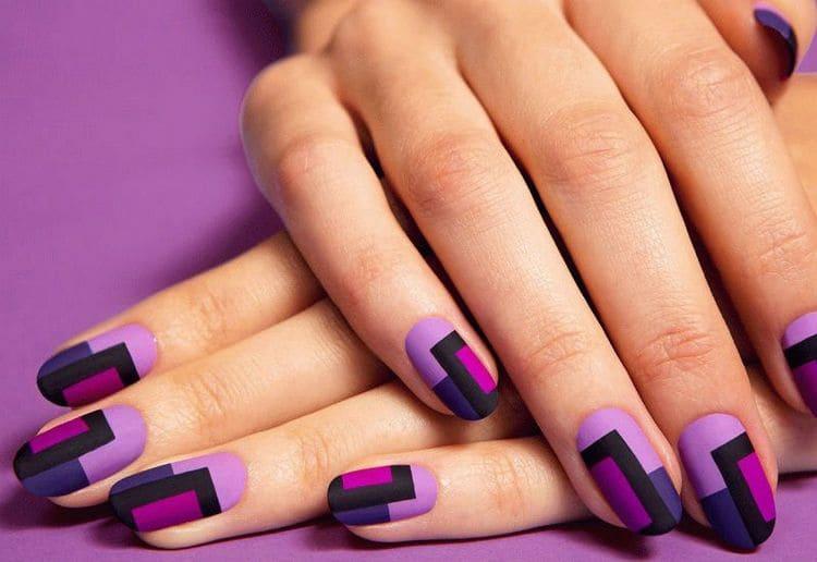А вот стильные прямоугольники на ногтях.