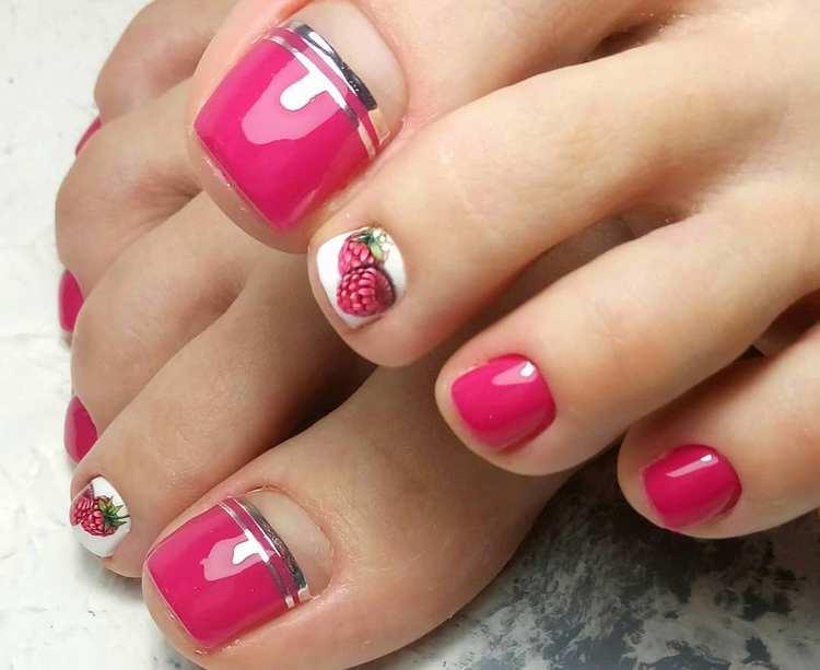 Посмотрите фото новинок дизайна ногтей на ногах.