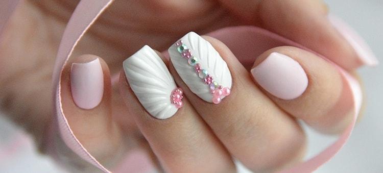 А вот еще фото нежно-розового дизайна ногтей.