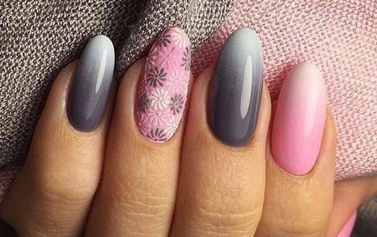 В дизайне ногтей серый с розовым можно использовать технику градиент.