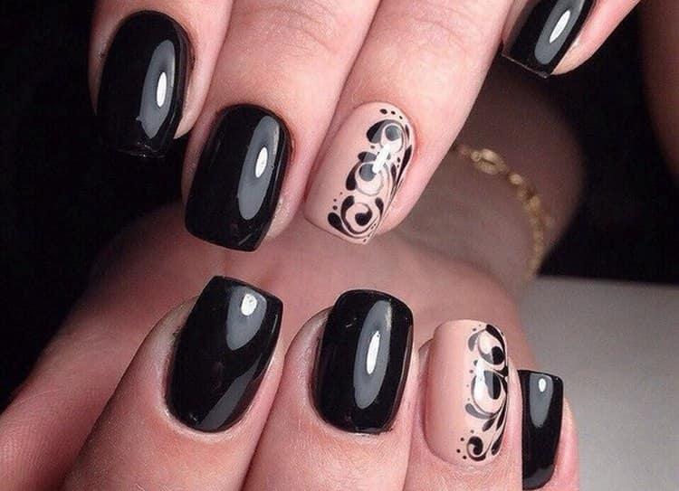 Розовый и черный на ногтях и в глянцевом покрытии выглядит превосходно.