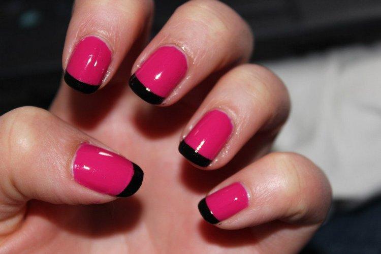 Розовый и черный очень красиво смотрятся во френче.