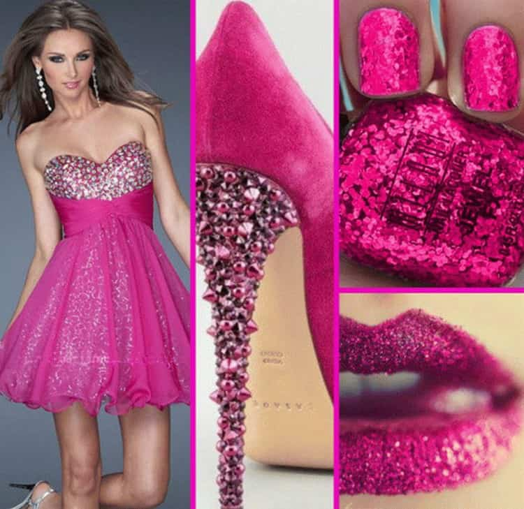 Не забывайте, что ваши розовые ноготки должны сочетаться с платьем либо аксессуарами.