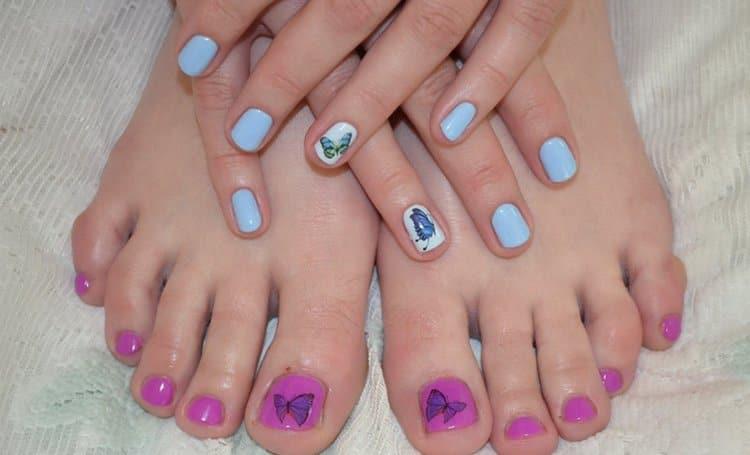 В дополнение к маникюру бабочки можно нарисовать также и на ногтях ног.