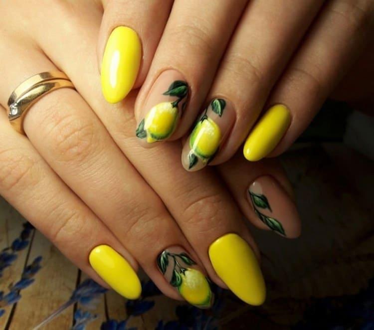 посмотрите, какие красивые рисунки на ногтях можно сделать при помощи желтого цвета.