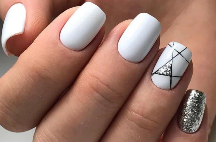 Посмотрите фото летнего дизайна шеллаком на короткие ногти.