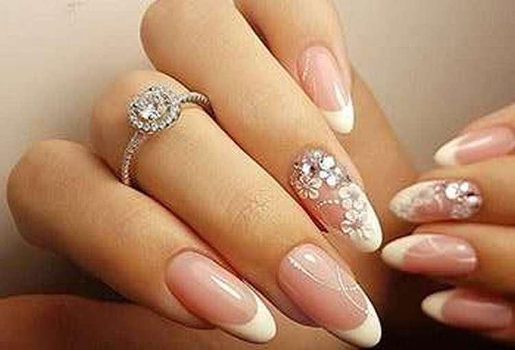 А вот свадебный дизайн острых ногтей.