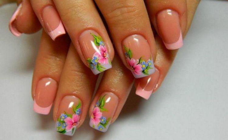 А вот фото розового френча с рисунком на ногтях.