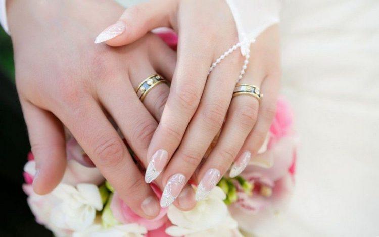 Для свадьбы такой френч будет идеальным вариантом.