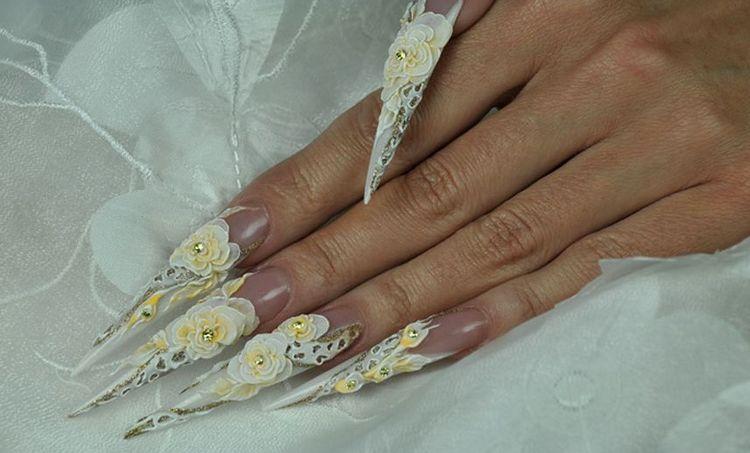 Еще вариант лепки на очень длинные острые ногти.