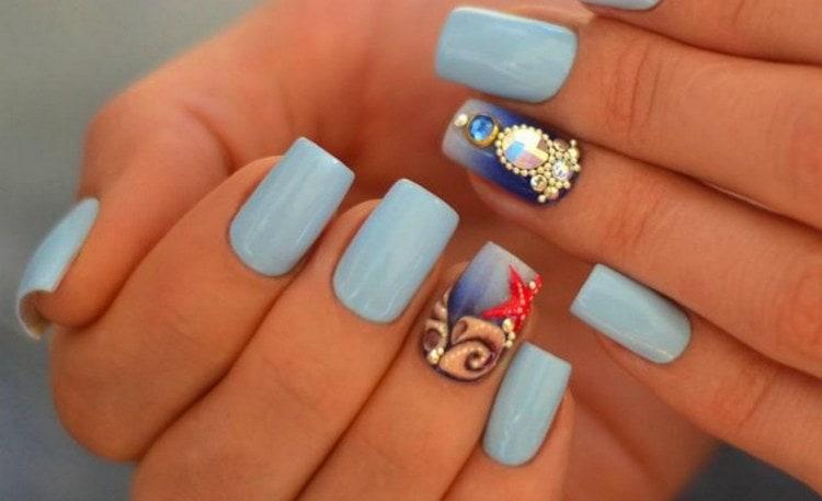 Еще один вариант модного морского дизайна ногтей.