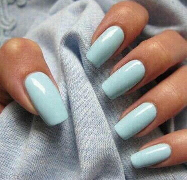 Можно просто накрасить ногти шеллаком, в однотонном стиле.