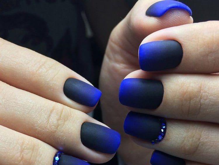 Переход от насыщенного синего к черному получается очень эффектным.