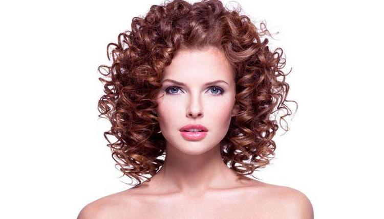 А вот фото стильной спиральной химии на средние волосы.