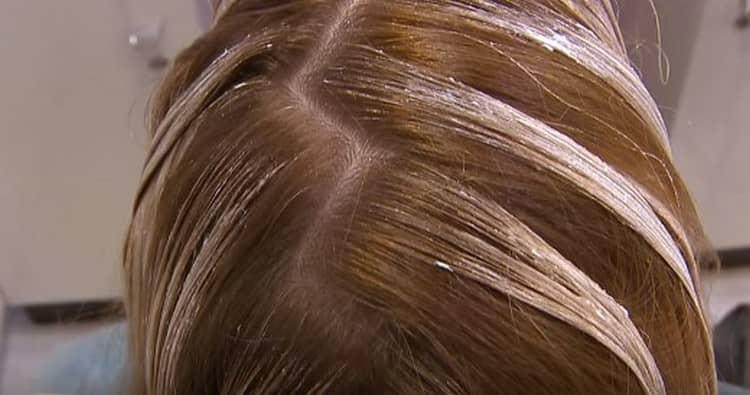 Сколько держать краску, зависит от цвета ваших волос.