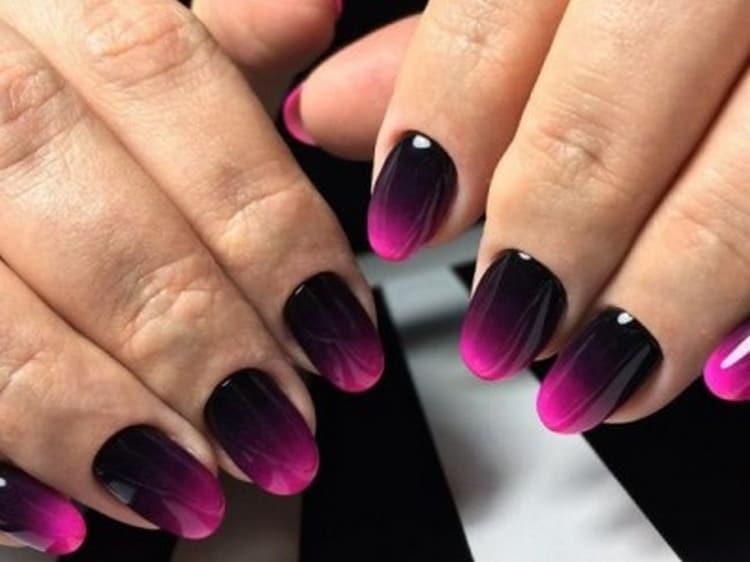 А вот красивый дизайн гелевых ногтей.