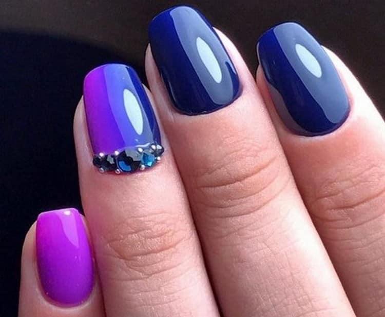 Глубокий синий градиент тоже выглядит очень красиво и богато.