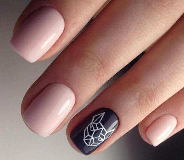Очень стильно выглядит геометрия на ногтях.
