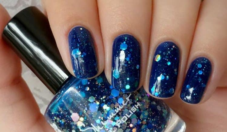 Посмотрите фото красивого дизайна ногтей на короткие ногти.