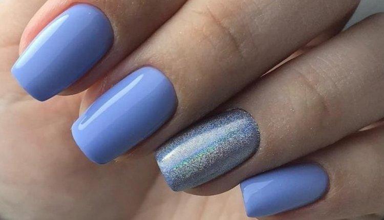 Нежный голубой тоже уместен в летнем ногтевом дизайне.