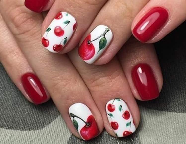 Сочные вишни на ногтях