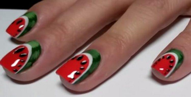 не забудьте покрыть готовую картину на ногтях закрепителем.
