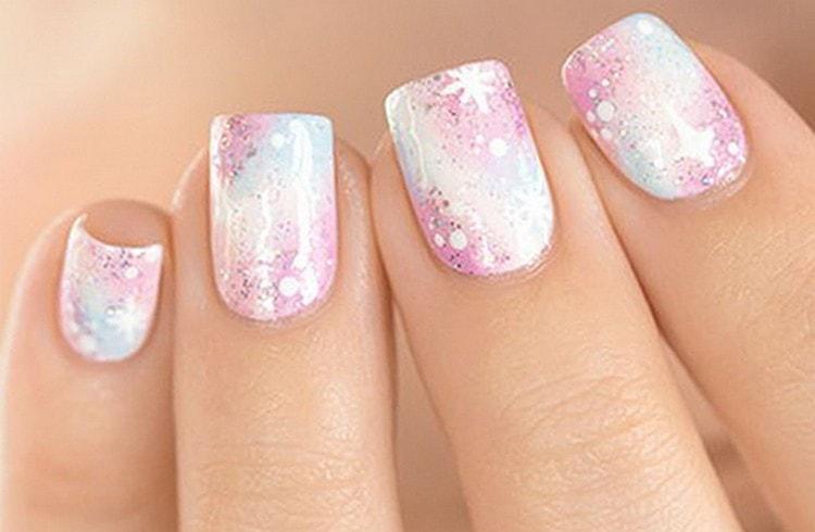 А вот розовый вариант такого дизайна ногтей.