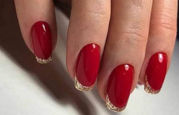 Очень стильный золотой френч на красном фоне.