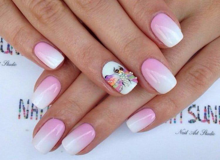 такой бело-розовый градиент можно украсить дополнительным декором.