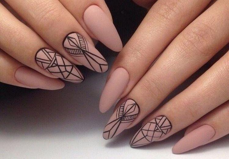 Посмотрите также фото дизайна светлых матовых ногтей.