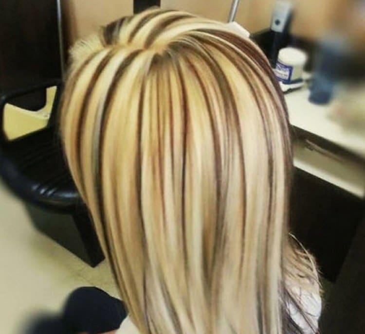 Посмотрите фото красивой стрижки с мелированием на длинные волосы.