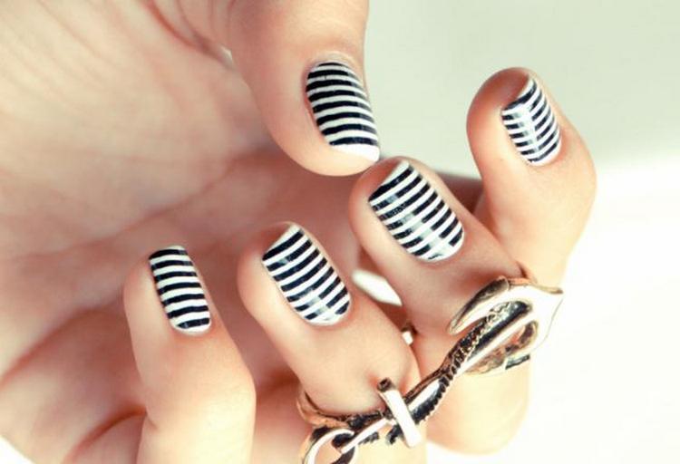 А вот еще фото дизайна ногтей на морскую тему.