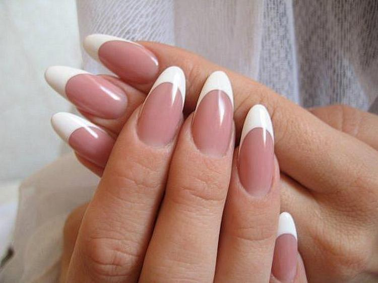 Такие ногти выглядят натурально, как настоящие.