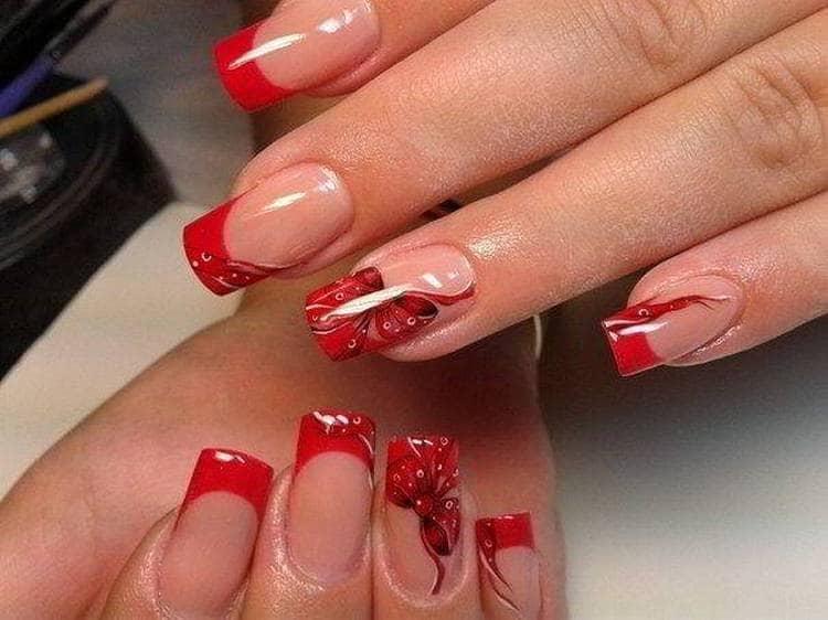 Посмотрите фото новинок наращивания ногтей френчем разных цветов.
