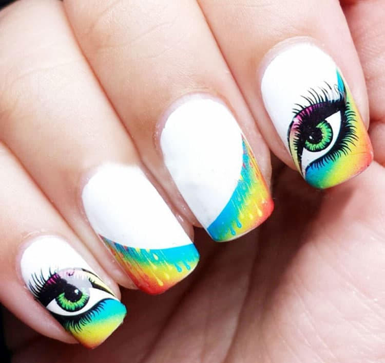 Можно также использовать наклейки на таких ногтях.