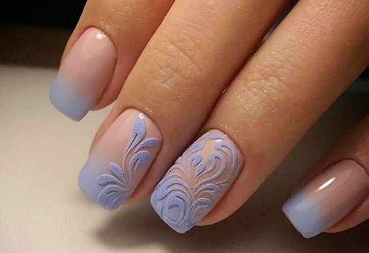 Наращивание ногтей гелем френч можно украсить бархатным песком.