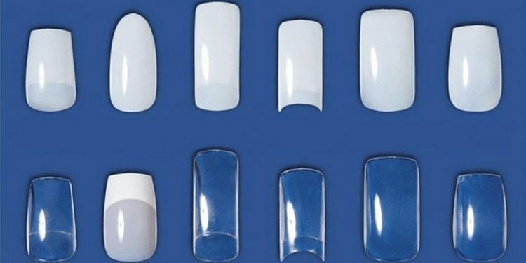 Узнайте, какие бывают типсы для наращивания ногтей.