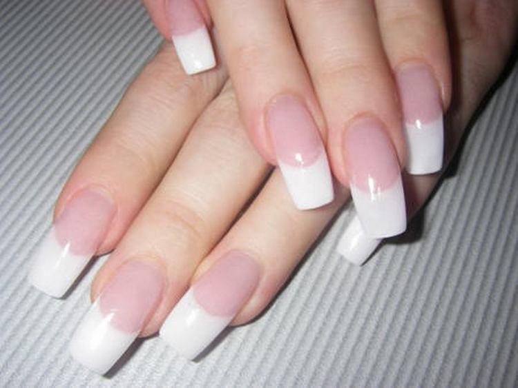 Посмотрите также видео-уроки о наращивании ногтей на формах.