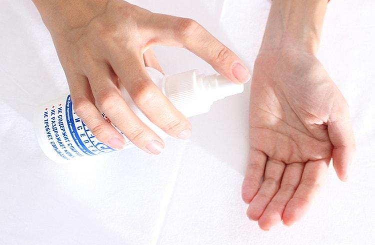 Когда вы определились,с тем, какие формы для наращивания ногтей лучше, можно приступать к работе, вымыв руки.