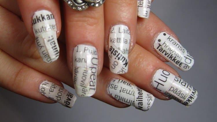 Оригинальный газетный дизайн ногтей.