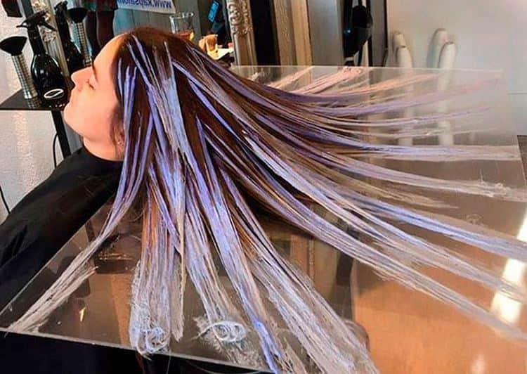 Посмотрите видео о технике окрашивания волос балаяж.